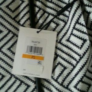 Calvin Klein Jackets & Coats - 3 season stylish blazer. NWT